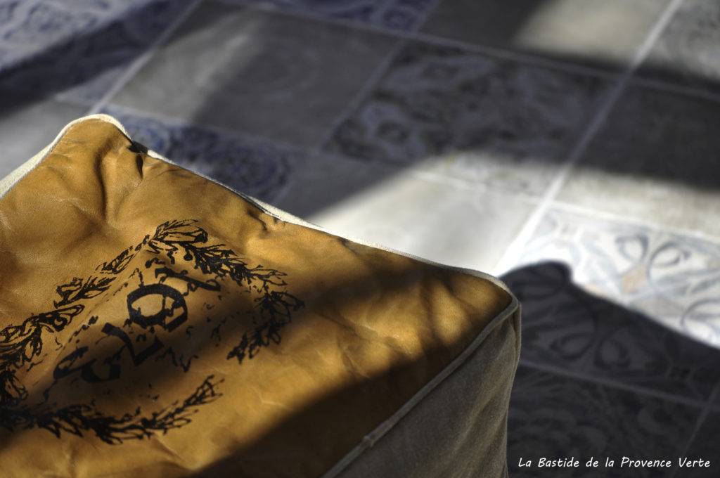 décoration intérieure gîte provence