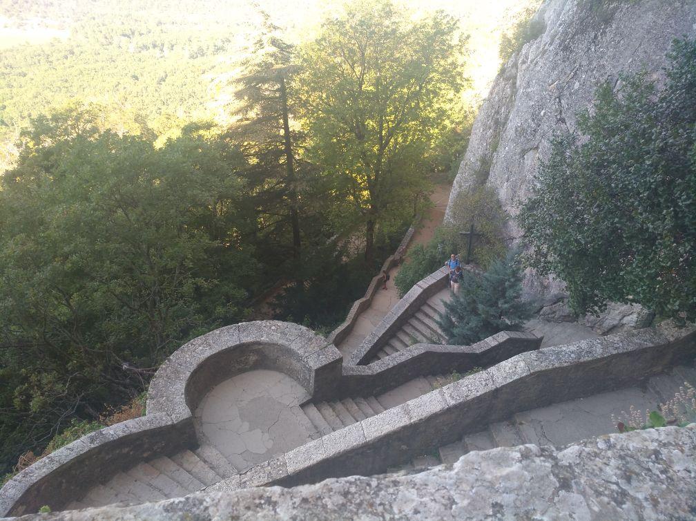 randonnee grotte de la sainte baume